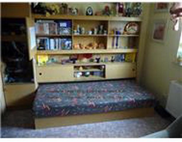 jugendzimmer mit berbau. Black Bedroom Furniture Sets. Home Design Ideas