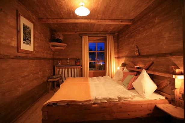 rustikale schlafzimmer. Black Bedroom Furniture Sets. Home Design Ideas