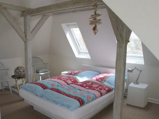 schlafzimmer im dachgeschoss. Black Bedroom Furniture Sets. Home Design Ideas