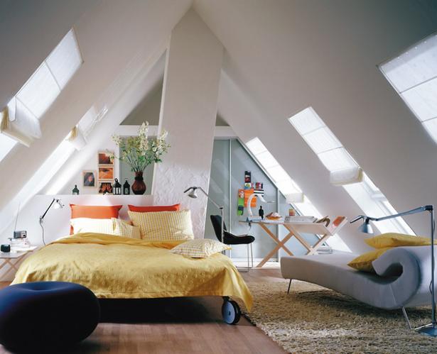 Schlafzimmer im dachgeschoss - Zimmer schiebeturen ...