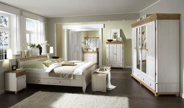 Schlafzimmer massiv weiß