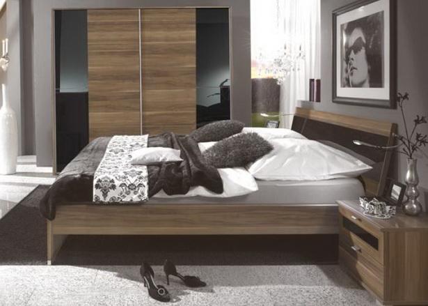 schlafzimmer nussbaum schwarz. Black Bedroom Furniture Sets. Home Design Ideas