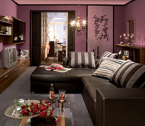 wohnzimmer in lila. Black Bedroom Furniture Sets. Home Design Ideas