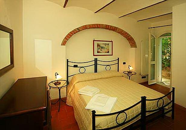 Wohnzimmer Hell Gestalten : Im Wohnzimmer gibt es jeweils noch eine ...