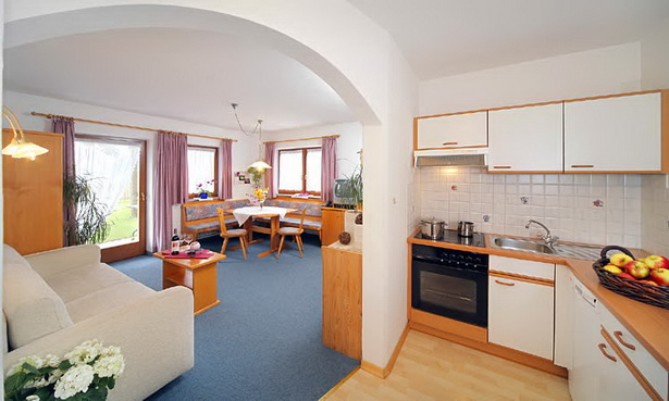 wohnzimmer mit k che. Black Bedroom Furniture Sets. Home Design Ideas