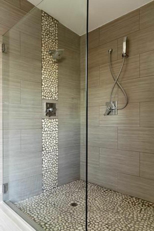 Dusche Ideen Bad : duschkabine mit dekorativen steinen und grauen badfliesen