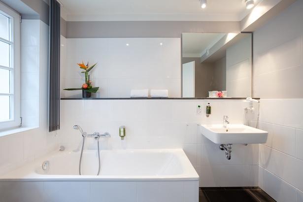 badezimmer bildergalerie. Black Bedroom Furniture Sets. Home Design Ideas