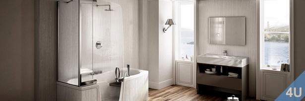 Modernes Badezimmer mit organischer Design-Einrichtung
