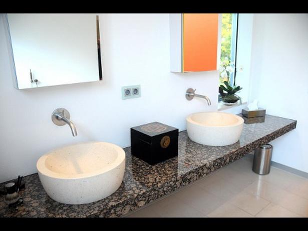 In Diesem Hofheimer Badezimmer Paaren Sich Edle Schlichtheit Und Hohe  Funktionalität