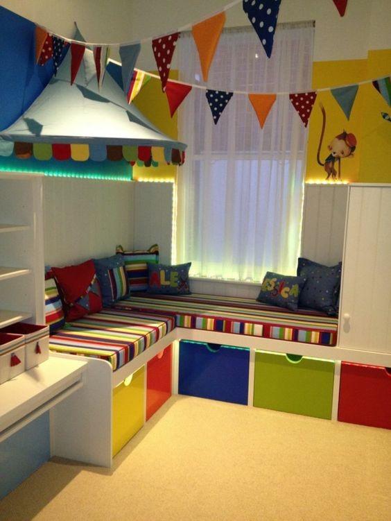 stauraum im kinderzimmer. Black Bedroom Furniture Sets. Home Design Ideas