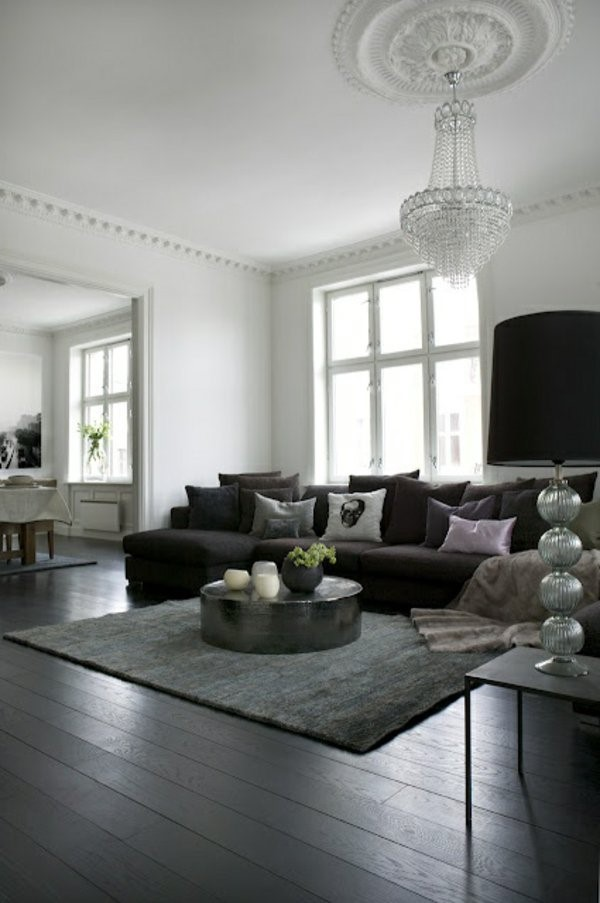 wohnzimmer mit schwarzer couch. Black Bedroom Furniture Sets. Home Design Ideas