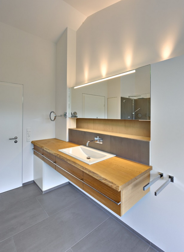 Bad beleuchtung modern for Badezimmer lampen ideen