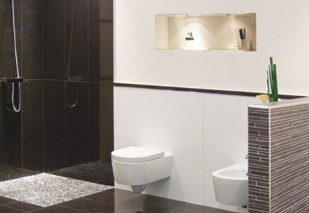 bad gefliest beispiele. Black Bedroom Furniture Sets. Home Design Ideas