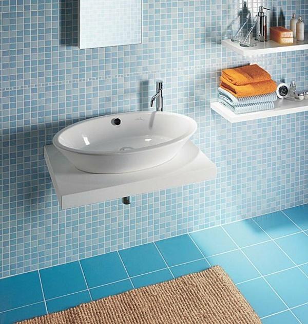 Badezimmer fliesen blau for Blaue bodenfliesen bad