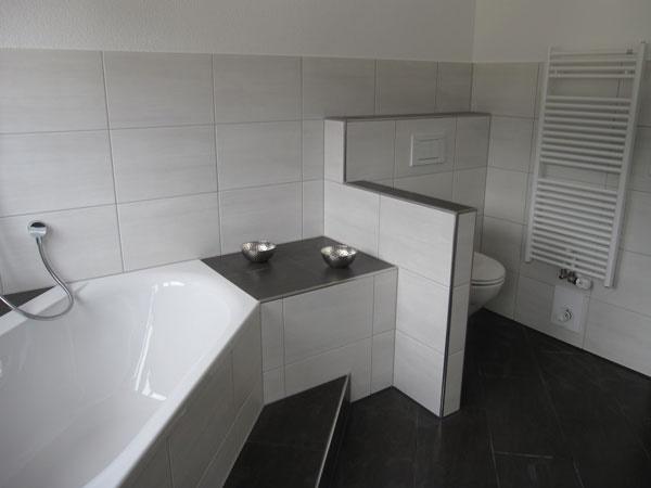 fliesen bad beispiele. Black Bedroom Furniture Sets. Home Design Ideas