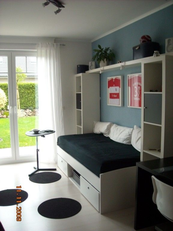 jugendzimmer jungen einrichten. Black Bedroom Furniture Sets. Home Design Ideas