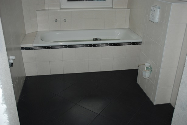 kleines bad fliesen. Black Bedroom Furniture Sets. Home Design Ideas