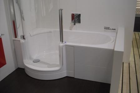 Kleines bad gestalten fliesen for Badezimmer klein gestalten