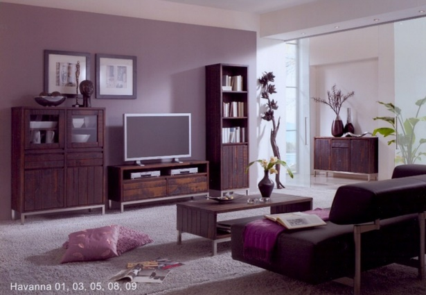 Lila dekoration wohnzimmer