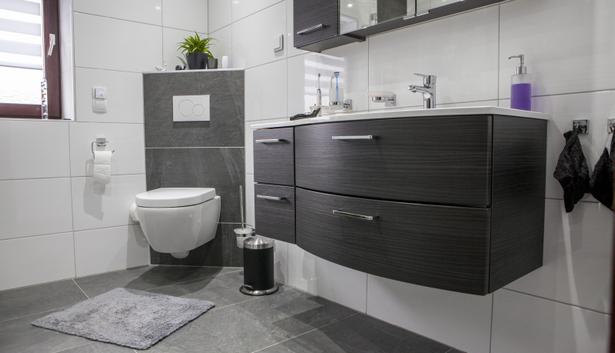 Schlauch badezimmer ideen for Badgestaltung fliesen beispiele