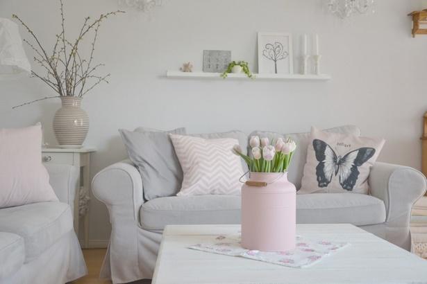 Wohnzimmer deko grau for Zimmer deko violett