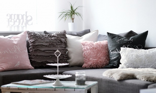 wohnzimmer deko rosa. Black Bedroom Furniture Sets. Home Design Ideas