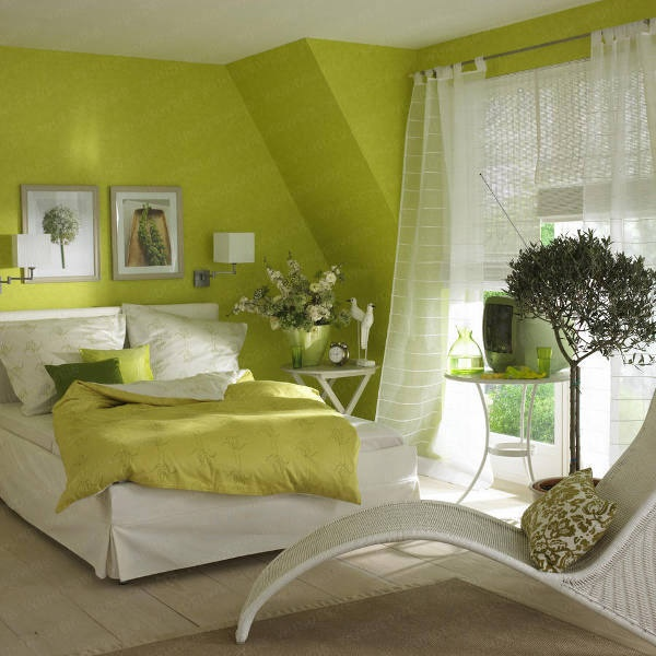 Dekorieren Mit Farbe Im Wohnzimmer Und Dekoration Mit Farben Wohnzimmer Grün  Couch Kissen Tisch Sofa