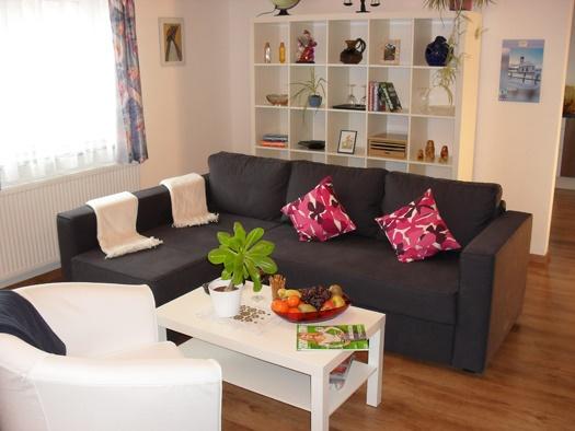 wohnzimmer regal deko. Black Bedroom Furniture Sets. Home Design Ideas