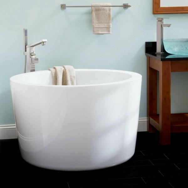 badewanne kleines bad. Black Bedroom Furniture Sets. Home Design Ideas