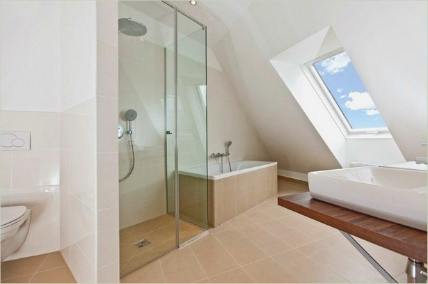 kleines bad mit dachschr ge gestalten. Black Bedroom Furniture Sets. Home Design Ideas