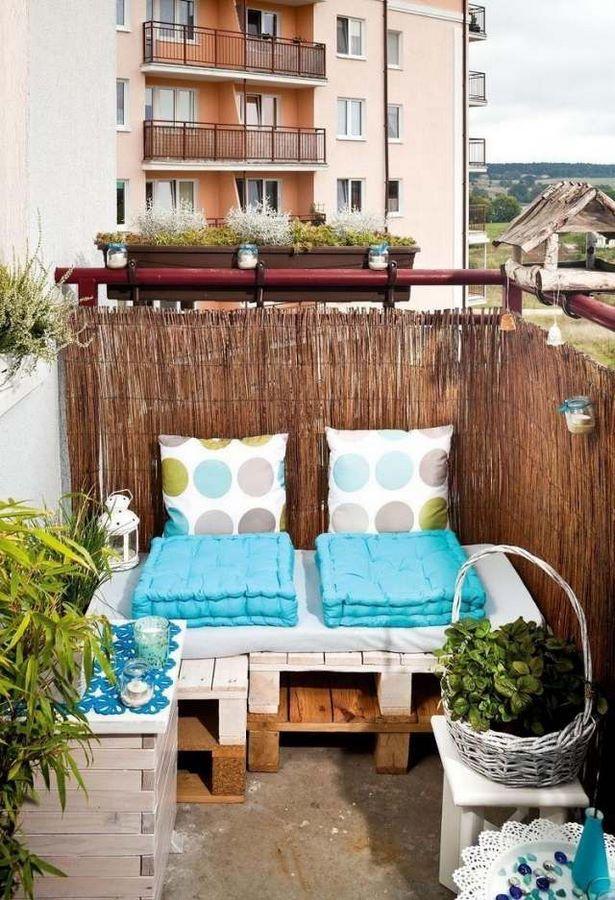 balkongestaltung kleiner balkon. Black Bedroom Furniture Sets. Home Design Ideas