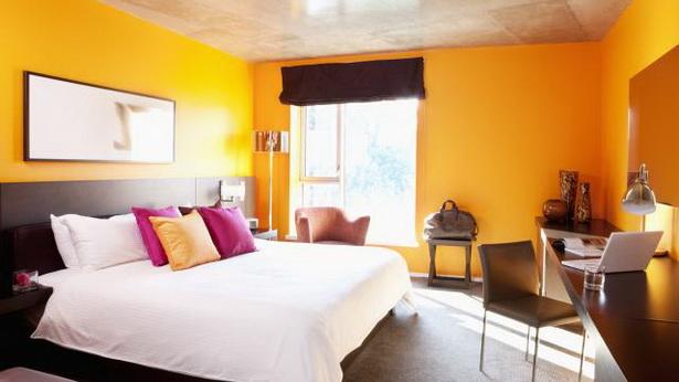 schlafzimmer gestalten wandfarbe. Black Bedroom Furniture Sets. Home Design Ideas