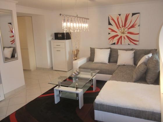 Schön eingerichtete wohnzimmer