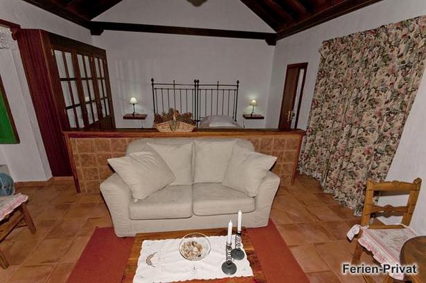 wohnzimmer schlafzimmer zusammen. Black Bedroom Furniture Sets. Home Design Ideas