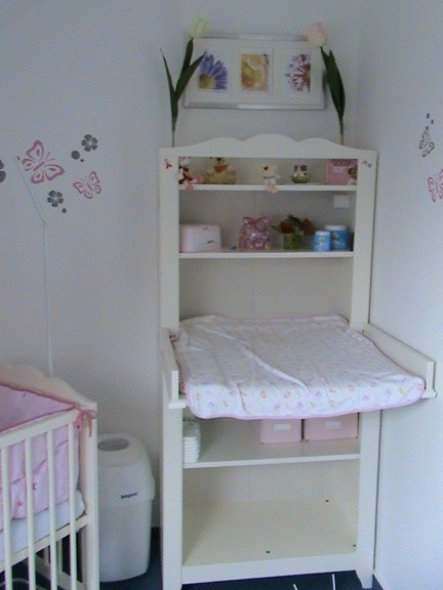 babyzimmer f r kleine r ume. Black Bedroom Furniture Sets. Home Design Ideas
