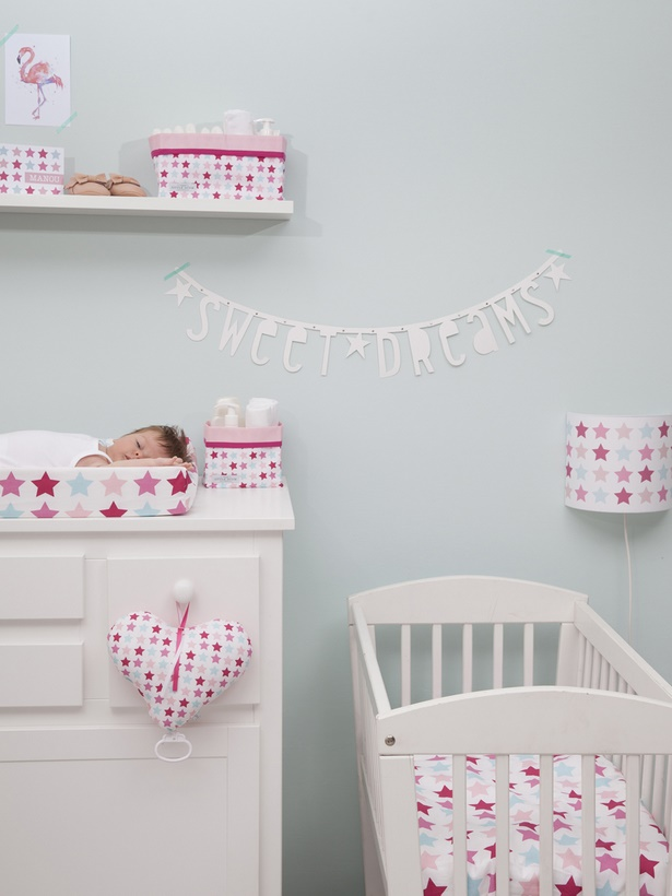 babyzimmer m dchen deko. Black Bedroom Furniture Sets. Home Design Ideas