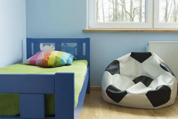 fu ball kinderzimmer gestalten. Black Bedroom Furniture Sets. Home Design Ideas