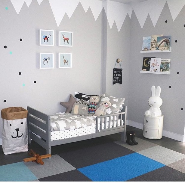 kinderzimmer junge kleinkind. Black Bedroom Furniture Sets. Home Design Ideas