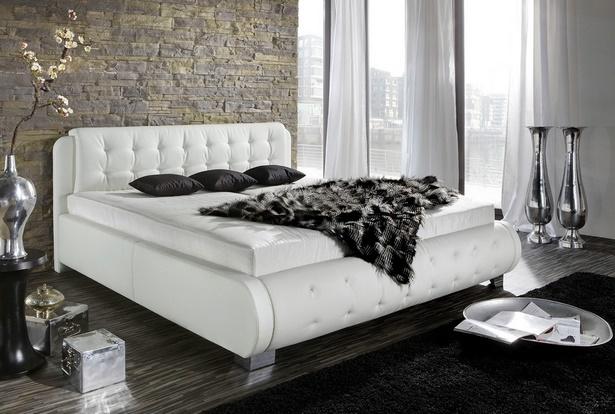 Schlafzimmer wei es bett for Weisses bett