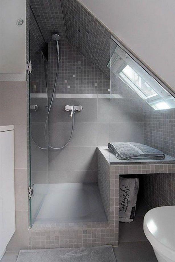 Badgestaltung kleines bad mit dachschr ge for Kleines bad modernisieren