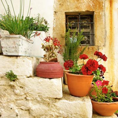 mediterraner balkon. Black Bedroom Furniture Sets. Home Design Ideas