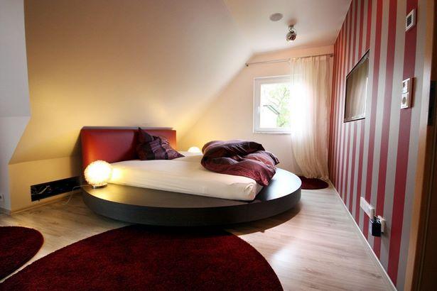 Dachschr gen schlafzimmer gestalten - Wohnideen schlafzimmer ...