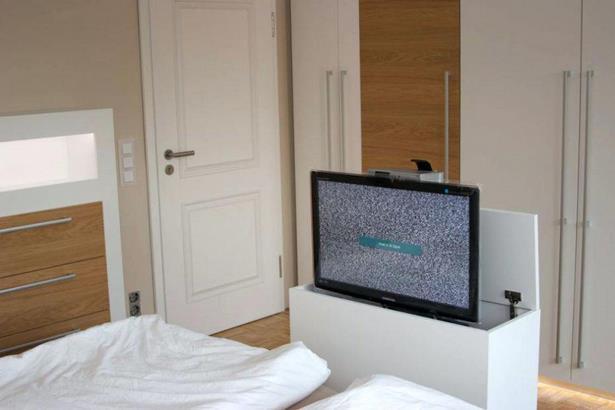 schlafzimmer kein platz f r schrank. Black Bedroom Furniture Sets. Home Design Ideas