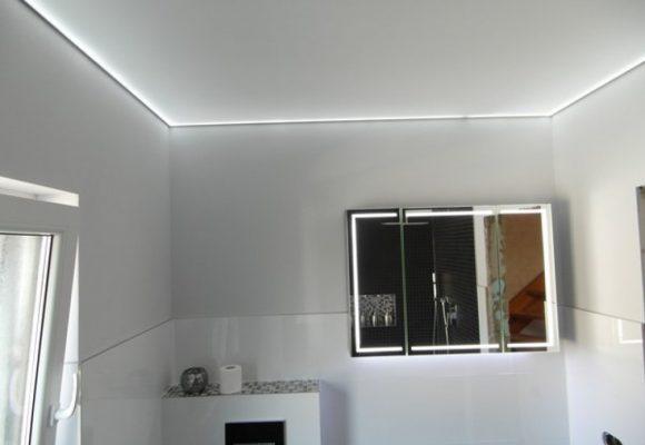 badezimmer hngelampe cheap moderne fr esszimmer badezimmer exterieur vorbei moderne fr. Black Bedroom Furniture Sets. Home Design Ideas