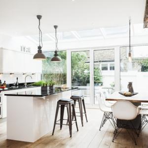 Wohnzimmer mit küche gestalten