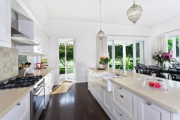 einrichtung wohnzimmer mit offener k che. Black Bedroom Furniture Sets. Home Design Ideas