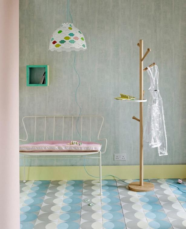 flur gestalten mit farbe. Black Bedroom Furniture Sets. Home Design Ideas
