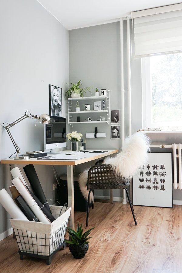 Büro und schlafzimmer in einem raum